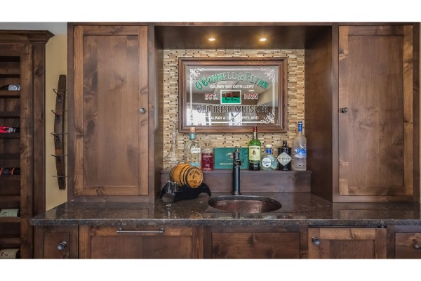Prairie-Hills-Basement-Bar2