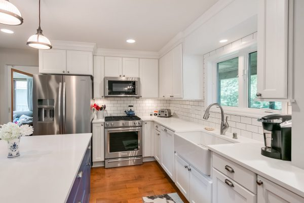 Kitchen Renovation | White Finishes and Stainless Steel Aplliances
